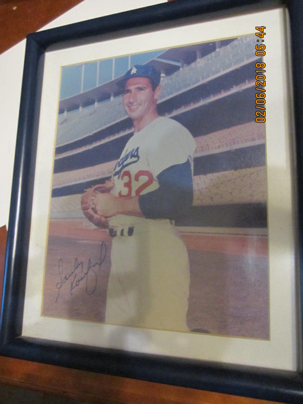 Sandy Koufax Los Angeles dodgers signed 8x10 framed photograph