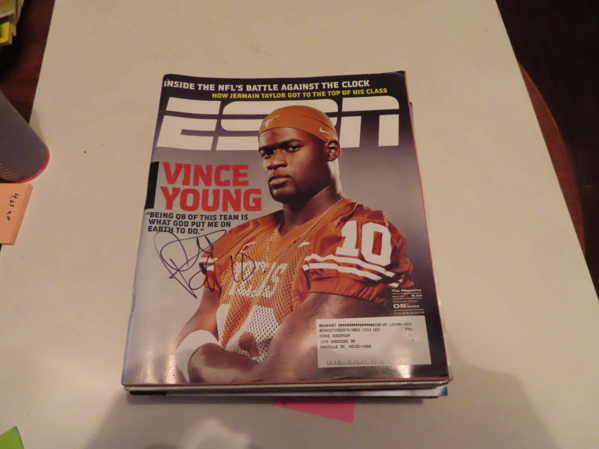 12/5 2005 Vince Young Texas Signed ESPN MAGAZINE bxlgs
