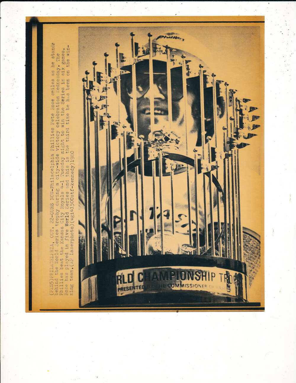 1980 Pete Rose phillies World Series champion trophy wire photo