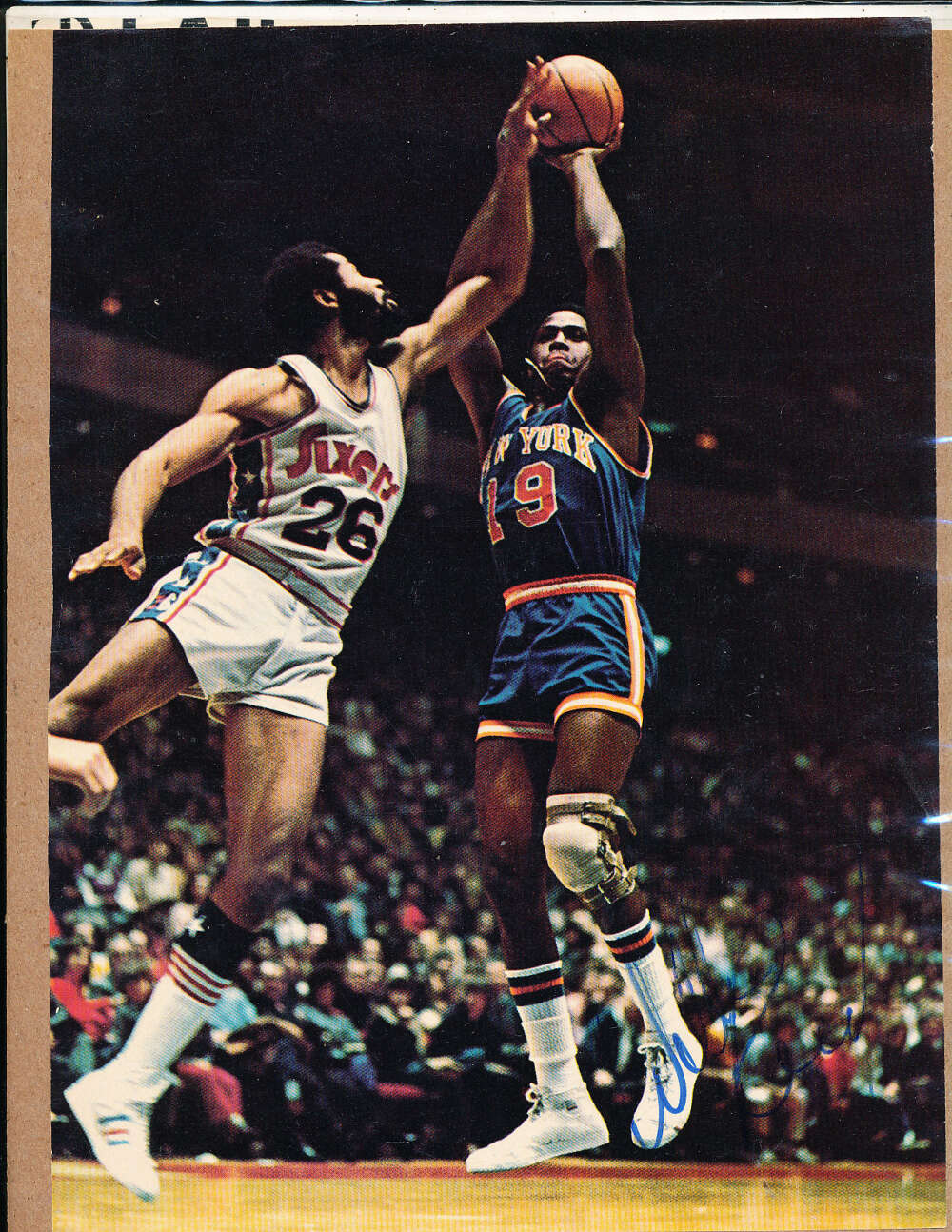 Willis Reed Knicks signed 8x10 magazine picture