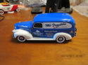 Franklin Mint 1:24 1946 Chevrolet Ski Lodge Truck Mountain Rescue Classic Truck