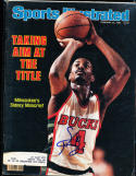 1982 2/22 Sidney Moncrief Bucks  Signed sports Illustrated