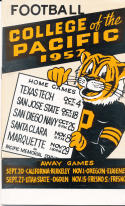 1952 College of the Pacific Football Press media Guide      bx pre67
