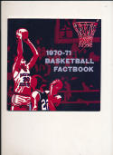 1970 - 1971 Eastern Kentucky University Basketball Hockey press Media guide bx70