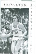 1970 - 71 Princeton basketball media guide nm -bx70