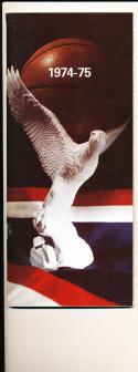 1974 - 1975 American university Basketball press Media guide bx74